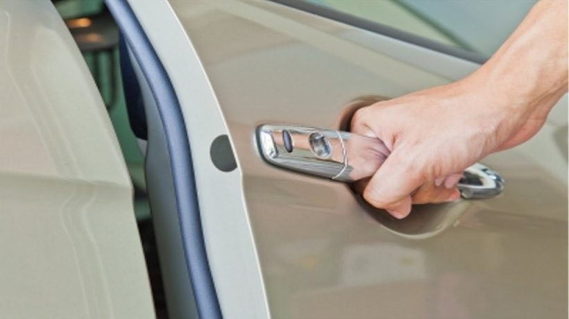 Tips to Handle Being Locked Out of Your Vehicle